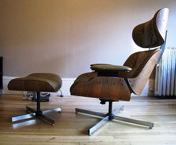 The easiest way to tell a fake from the real Eames chair is by looking at the base. The real Eames lounge charge has a five-star base, unlike this fake, which has a four-star base.