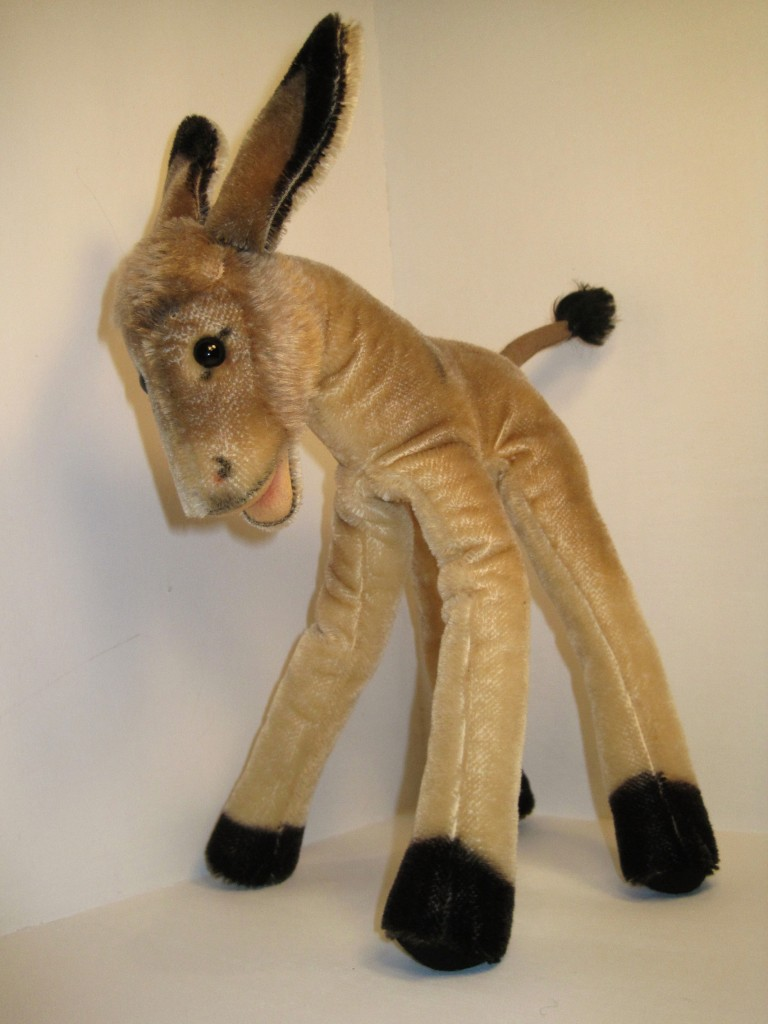 This 35-centimeter Steiff donkey from the 1950s shows the lulac style well, with its elongated legs. Steiff lulac animals from the '50s are fairly rare, and can sell for more than $1,000.