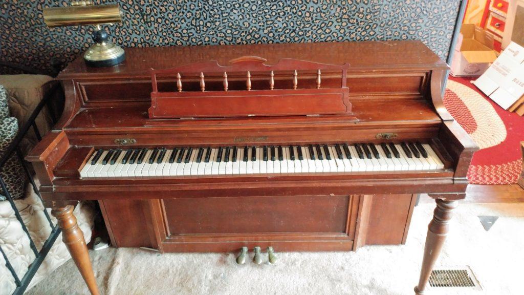 spinnett piano