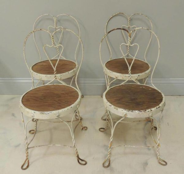 An Appraiser's Diary: Yes, More Chairs...
